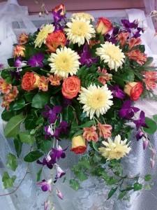 D120 roses, mums & orchids spray