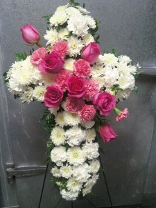 D332 cross in pink & white