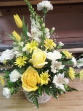 D612 basket yellow & whites