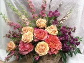 D682 basket of roses & stock