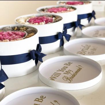 Da BOM Bloom Box   A customizable Gift Box with Fresh Flowers, Chocolate truffles, Chocolate Covered Strawberries & Macarons