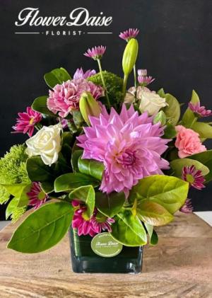 Dahlia Vase Arrangement in Ferntree Gully, VIC | FLOWER DAISE