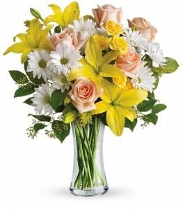 Daisies and Sunbeams Vase Arrangement