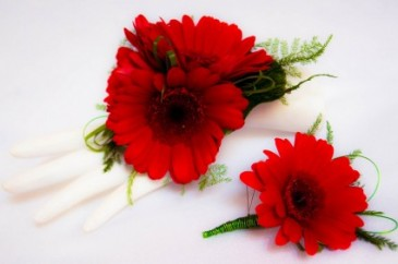 DAISY BOUTONNIERE Prom Flowers