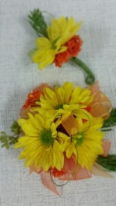 Daisy Corsage and boutonniere