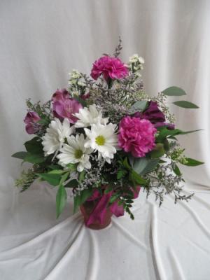 Daisy Delight Fresh Vased Arrangement in Farmville, VA   CARTERS FLOWER SHOP