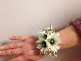 Daisy Doll Wrist Corsage