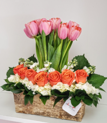 Danza de Tulipanes Flower Arrangement