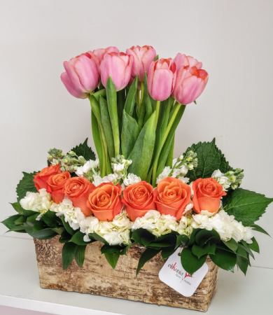 Danza de Tulipanes Flower Arrangement