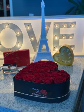 Dark and romantic Fresh arrangement