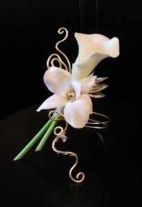 DASHING BOUTONNIERE