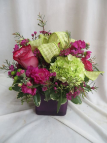 Dazzle Her Fresh Mixed arrangement in a Cube