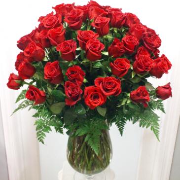 Dazzling 100 Long Stem Red Roses