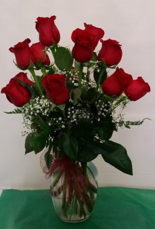 Dazzling Dozen Red Roses Vase Arrangement