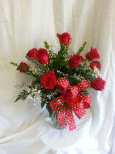 Dazzling Dozen Rose Arrangement