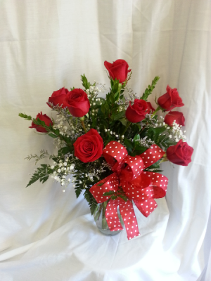 Dazzling Dozen Rose Arrangement in Wilmore, KY | RACHEL'S ROSE GARDEN