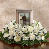 """DCW353 12"""" Picture Wreath"""