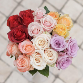 DEAL OF THE WEEK - Dozen of roses in a clear vase