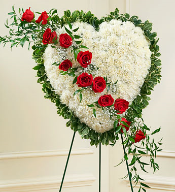 Dearest Heart Standing Heart Wreath