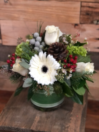 Deck the Halls  Low and dense centerpiece