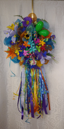Deco Mesh Wreath With Maracas And Silk Flowers Dec