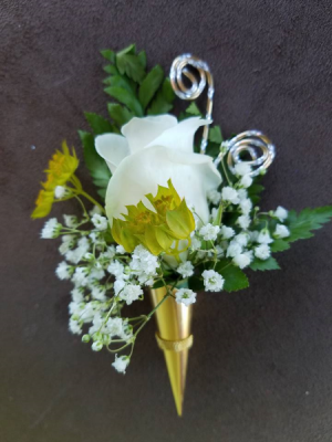 Deco Sleeve Boutonniere Boutonniere in Hesperia, CA | FAIRY TALES FLOWERS & GIFTS
