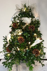 Decorated Boxwood Tree (White Dove) Can Be Shipped UPS