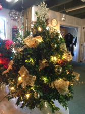 decorated boxwood tree with lights boxwood tree