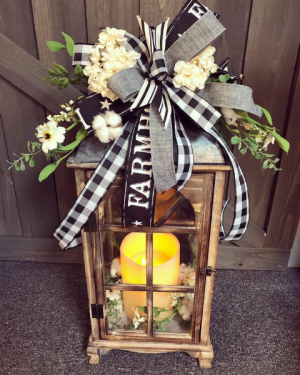 Decorated Lantern Lantern in Grayson, KY | All That Bloomz