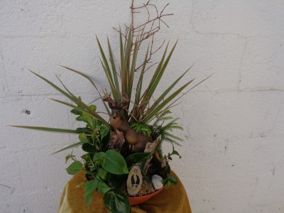 Deer in the Forest Planter (local delivery only)