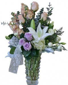 DELIGHTFUL DREAMS Bouquet of Flowers in Riverside, CA | Willow Branch Florist of Riverside