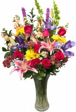 Delightful Spring Garden Vase Arrangement in Seguin, TX | DIETZ FLOWER SHOP & TUXEDO RENTAL