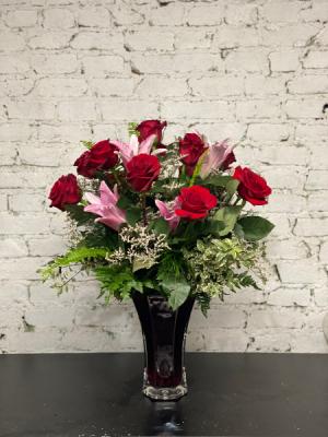 DELUXE DOZEN  LONG STEM ROSES in Murfreesboro, TN | Veda's Flowers & Gifts