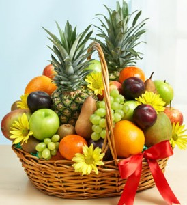 Deluxe Fruit Gift Basket Small, Medium & Large in New Port Richey, FL | FLOWERS TODAY FLORIST
