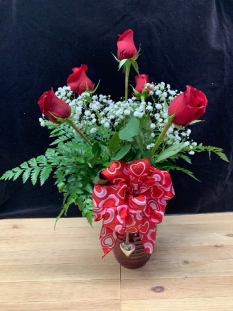 Deluxe Half Dozen Roses Vase