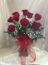 Deluxe Rose Special Classic Beauty 12 Red Roses