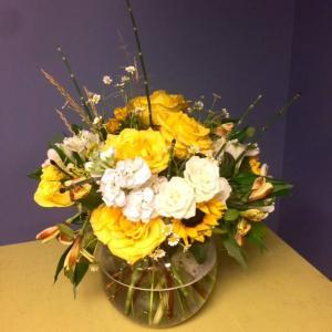 Designer choice Vase Arrangement in Hardwick, VT | THE FLOWER BASKET