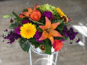 Designer's Choice Centerpiece  in Mattapoisett, MA | Blossoms Flower Shop