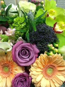 Designers Choice Loose Wrapped Cut Flowers in Fairfield, CT | Blossoms at Dailey's Flower Shop