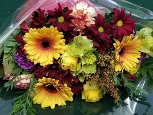 Designers Choice Hand Tied Bouquets in Bracebridge, ON | CR Flowers & Balloons ~ A Bracebridge Florist