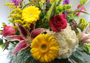 Designers Choice -        Let us pick Grimsley's Exclusive  in Clinton, IL | Grimsley's Flower Store