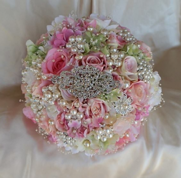 Diamonds and pearls bouquets