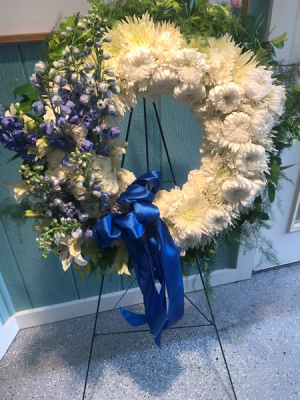 Dignity wreath  in Syracuse, IN | Dynamic Floral