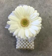Dipsy Daisy - White Corsage