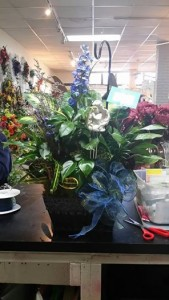 Dish Garden Green Plant Mixture+ fresh flowers