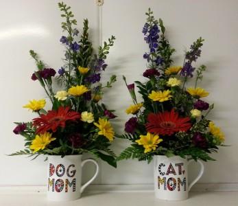 Stuffed Cat Animal With Flowers Arrangement