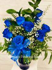 dozen blue roses  vase