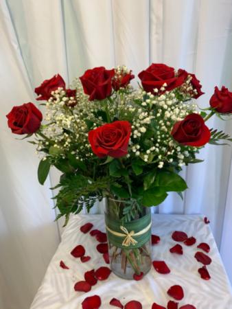 Dozen Classic Red Roses Valentines Gift