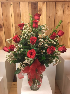 The Classic Dozen Long Stemmed Roses Love in San Dimas, CA | O'MALLEY'S FLOWERS OF SAN DIMAS