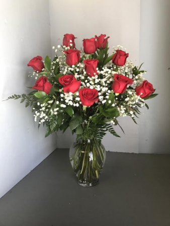 Dozen Red Rose vase